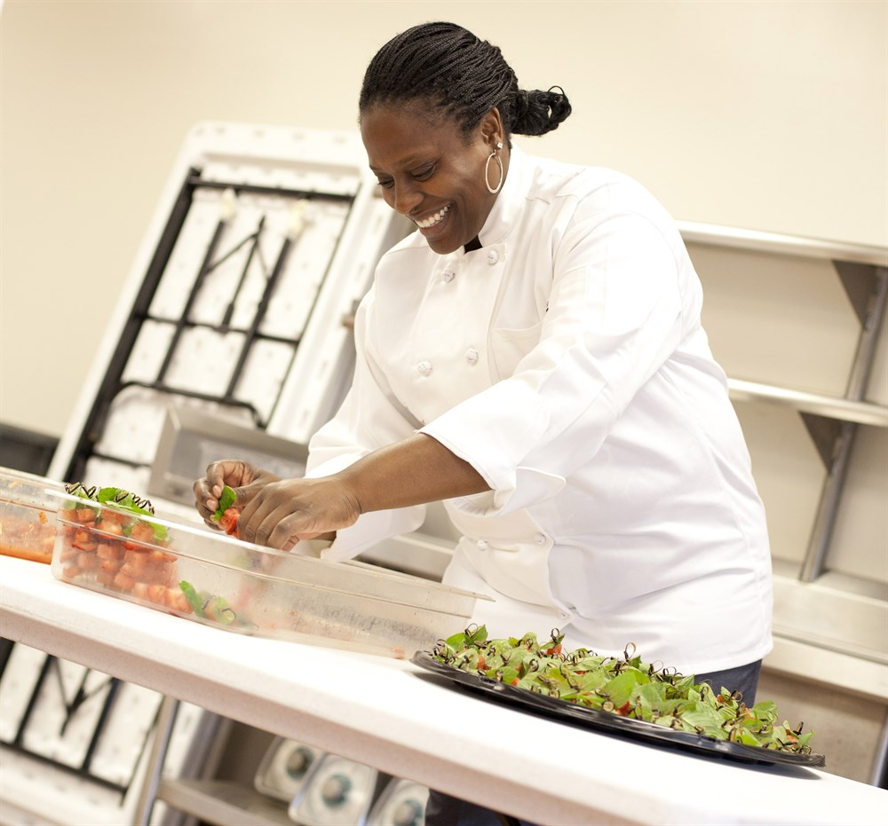 simple cooking heart kitchen baltimore staff tia berry kitchen manager